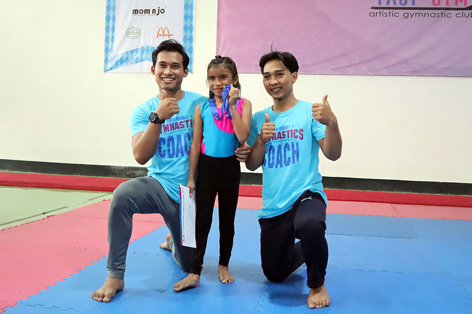 Coach Yuri & Coach Zay with Dnara (Web)