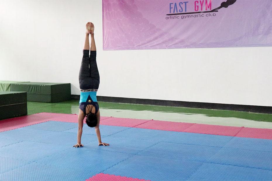 Manfaat gerakan handstand